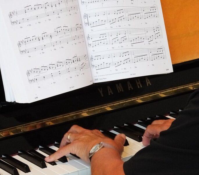 SVRZ Piano spelen