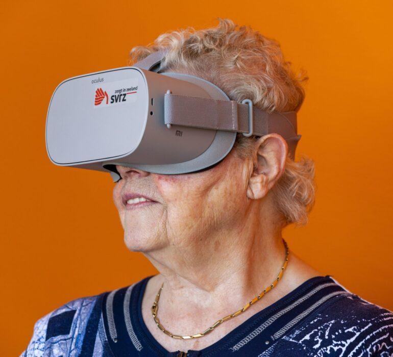 Client met VR Bril bij SVRZ